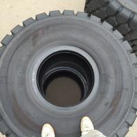重機のタイヤ農機のタイヤ是非お売り下さい。